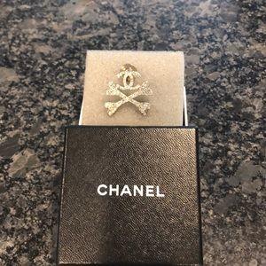 Chanel brooch Chanel and crossbones